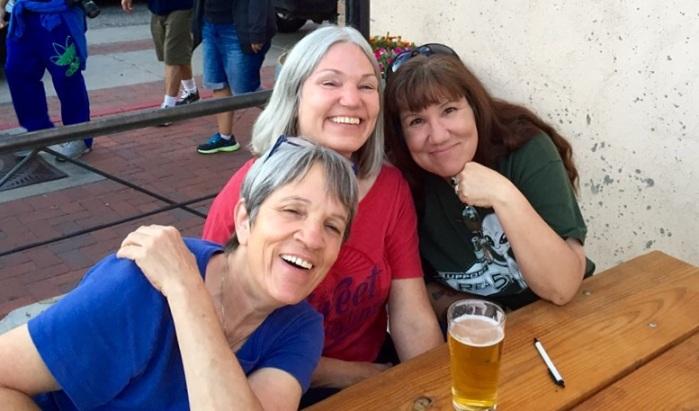Sisters Jana, Karen and Lynne.
