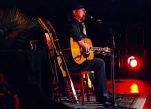 Roger McGuinn performs in Central New York in 2012. (Photo by Tom Honan)